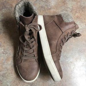 Curfew Willow zipper boots